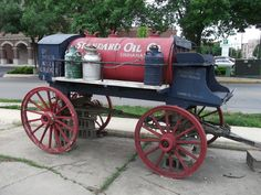 Lafayette Indiana, Glazed Brick, Horse Drawn Wagon, Red Tiles, Standard Oil, Old Gas Stations, Picture Postcards, Vintage Signs, Interior And Exterior