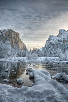Valley View, Yosemite National Park, California by SiliconValley