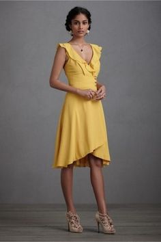 What to wear to a  summer ...wish yellow was my color, but i love this look