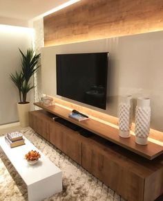 home sala 115 Salas de TV Decoradas com - Tv Wall Design, House Design, Living Room Tv Unit Designs, Tv Wall Decor, Wall Tv, Home Interior Design, Home And Living, Living Room Decor, Living Rooms