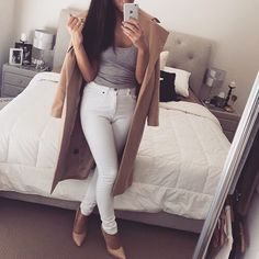 Find images and videos about fashion, style and white on We Heart It - the app to get lost in what you love. All About Fashion, Passion For Fashion, Love Fashion, Womens Fashion, Dope Outfits, Casual Outfits, Fashion Outfits, Simple Outfits, Skirt Outfits