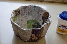 Old newspaper recycling – DIY basket #Newspaper #Recycle #DIY Basket