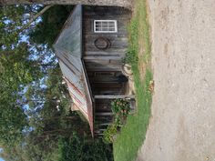 Wonderful slab hut .. All original www.pocodesigns.com.au