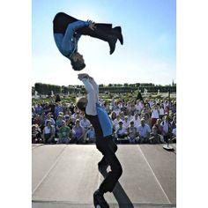 Envie de changement dans vos soirées, vos événements ?  Un show spectaculaire par le célèbre duo australien Price & Mc Coy qui pourra que vous enchanter, vous et vos invités.   Des figures acrobatiques, dans un spectacle type cabaret pour le plaisir des yeux ! Des vidéos sont disponibles sur notre page.
