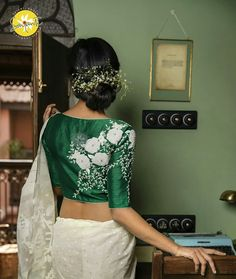 Exceptional and Mind Blowing Blouse Designs with Embroidery Blouse Back Neck Designs, Sari Blouse Designs, Fancy Blouse Designs, Blouse Patterns, Embroidery Fashion, Embroidery Blouses, Best Designer Dresses, Stylish Blouse Design, Lakme Fashion Week