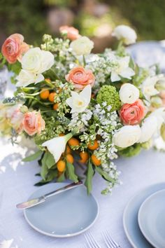 Solely Weddings: floral centerpiece