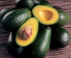 Avocada Oil - Rich in vitamin e and great for eczema  psoriasis. www.lucyannabella.com #hair #beauty #arganoil