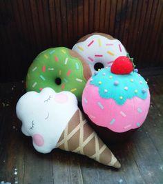 Cupcakes almohada Bright Pink Chocolate Mentol por FainyiaShtuchki