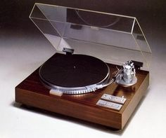 YAMAHA YP-D10 Turntable from 1978