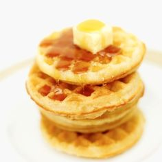 If I were a breakfast plate, I would be Waffles and orange juice. Breakfast Plate, Breakfast Snacks, Breakfast Items, Breakfast Recipes, Greek Desserts, No Cook Desserts, Dessert Recipes, Eggo Waffles, Crepes And Waffles