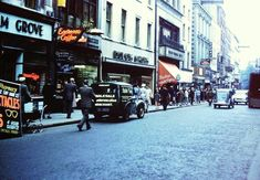 Grafton Street 1950s #dublin #ireland #dublinarchive #1950s • dublin_archive Grafton Street, Dublin Ireland, Old Photos, Bobs, Old School, Times Square, 1950s, Archive, Street View
