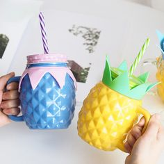 Pineapple Modeling Glass Mason Jar Cups Cute Cup Milk Beer Mug Cover with Hole and Straw Eco-Friendly Beverage Bottle Cheap Water Bottles, Bottles And Jars, Glass Bottles, Mason Jar Cups, Cute Cups, Old Fashioned Glass, Candy Colors, Xmas Gifts, Pineapple