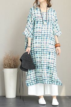 Fabric:         Fabric has no stretchSeason:        SummerType:          Dress Sleeve Length:  ShortColor:         Blue Material:       100% linenDresses Length: Maxi Style:          Casual Neck Type:      Round neck Silhouette:     A line One
