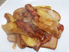 Æbleflesk  (apples sauteed with bacon and onion served on a piece of rye bread.)