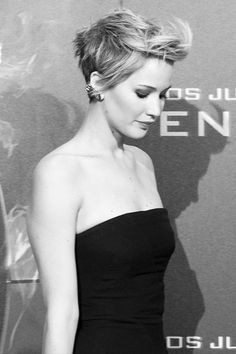 """<0> Jennifer Lawrence - """"I don't ever walk around feeling famous. I walk around feeling the exact same way I have walked around my entire life, but it's not until I talk to somebody and see in their eyes that I'm different. It makes me feel weird."""""""