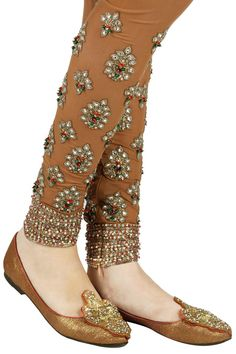 Beads and gota patti embroidered pink mojaris. By Ashima Leena. Shop now at www.perniaspopupshop.com #footwear #perniaspopupshop #festive #essential #amazing #ashimaleena #gorgeous #musthave #designer #indian #happyshopping