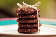 Aprenda a fazer cookies de ameixa, aveia e chocolate | Donna