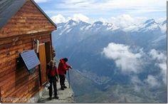Secreto en la montaña: Un refugio escondido en los Alpes suizos ¡Alucinante! - http://www.leanoticias.com/2015/02/04/secreto-en-la-montana-un-refugio-escondido-en-los-alpes-suizos-alucinante/