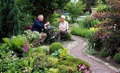Small garden Back Gardens, Small Gardens, Outdoor Gardens, Garden Paths, Garden Landscaping, Dream Garden, Home And Garden, Gravel Path, Outdoor Furniture Sets