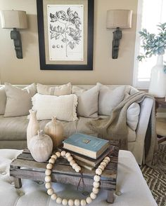 I Spy an AFH Tulip Crate in Liz's #livingroom. Such beautifully simple, elegant style! Thx for tagging us! #homedecor