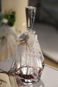 Μποτίλια Κρασιού... Wedding Events, Perfume Bottles, Beauty, Perfume Bottle, Beauty Illustration