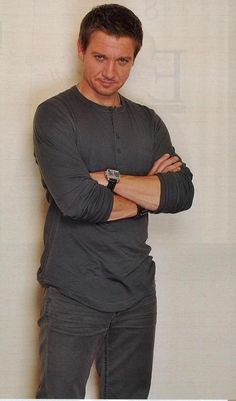 Hot Day-um Jeremy Renner!!!