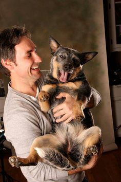 Hey I didnt know the dude from American Pickers had a heeler!! I knew I liked him ;-)