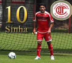 """El Maestro, Antonio Naelson """"Sinha"""" el 10 de los Diablos Rojos Club Deportivo Toluca."""