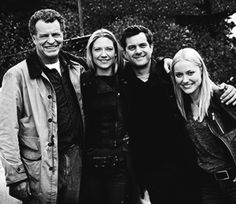 OMGOSH......THIS PIC!!!! *Excuse me while I go cry in the corner for the rest of my life* #Fringe #TheyLookSoHappy #IMissThem