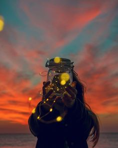 Image discovered by Find images and videos about girl, beautiful and photography on We Heart It - the app to get lost in what you love. Light Photography, Creative Photography, Abstract Photography, Girl Photography, Photoshop, Pretty Lights, Pretty Wallpapers, Bokeh, Fairy Lights