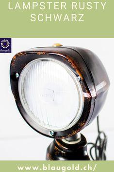 Farbe=Schwarz Beschreibung  Die LED-Leuchte LAMPSTER ist ein Mix aus Actionfigur und Vintage Scheinwerfer Komplett aus recycletem Material und von Hand gebaut! Ein-/Ausschalten durch Berührung bzw. Touch-Sensor am Kopf Anpassung von Helligkeit und Farbe mittels Smartphone 360° drehbarer Kopf und verstellbarer Winkel Massiv und für die Ewigkeit gebaut; rostfrei und resistent gegen Wasserspritzer. #lampen #beleuchtung #interiordesign Smartphone, Recycled Materials, Led Lamp, Aluminium, Action Figures, Recycling, Home Appliances, Vintage, Mirror
