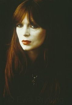 Nico was an amazing singer.