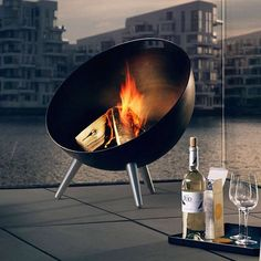 Eva Solo's fire globe is a great way to stay warm on cold nights outside. Shaped to provide protection from wind the fire globe has a convenient handle for easy movement (only move when not in use). The grill in the bottom of the globe provides ventilation to keep your fire roaring.