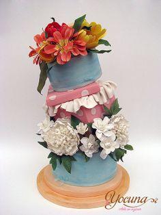 Tarta sorpresa con flores - Surprise cake with flowers - by Yocuna @ CakesDecor.com - cake decorating website