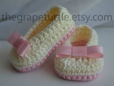 Crochet Baby Shoes with Bow Baby Shoes Baby by TheGrapeTurtle