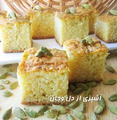 کیک اسفنجی هل و گلاب آرد 225 گرم ( 1و 1/2 پیمانه ) شکر 230 گرم ( 1 پیمانه ) تخم مرغ 3 عدد روغن مایع 1/2 پیمانه شیر 1/2 پیمانه هل سای...