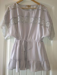 JALOUX AnThRoPoLoGiE Gray Lace Drawstring Waist Top Blouse Sz Small #Anthropologie #Blouse #Any