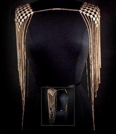 ★NEW★ Filigree Gold Decorated Shoulder Necklace Body Armor Chain Women Jewelry Shoulder Jewelry, Shoulder Necklace, Body Chain Jewelry, Body Jewellery, Body Necklace, Motifs Perler, Jewelry Accessories, Jewelry Design, Fashion Jewelry