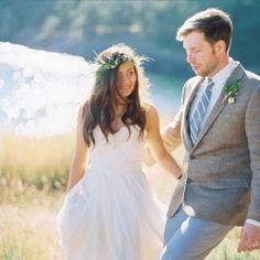 A bohemian lake front wedding in the beautiful state of Washington! Photo by Mastin Studio.