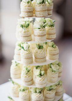 Wedding Appetizers, Wedding Desserts, Mini Desserts, Mini Wedding Cakes, Limoncello, Dessert Bars, Dessert Table, Mini Cakes, Cupcake Cakes