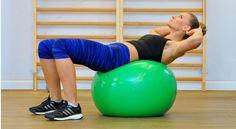 Ćwiczenia na piłce to doskonała alternatywa dla tradycyjnych zajęć fitness, a dodatkowo świetny sposób na wzmocnienie mięśni, zdrowy kręgosłup oraz lepszą równowagę. Dadzą ci więcej, niż się spodziewasz.