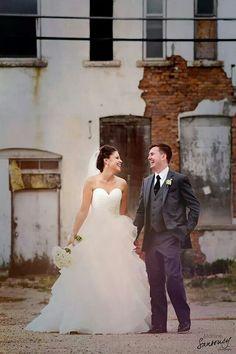 Photography Portfolio, Wedding Decorations, About Me Blog, Wedding Inspiration, Vibrant, Wedding Photography, Facebook, Wedding Dresses, Artist
