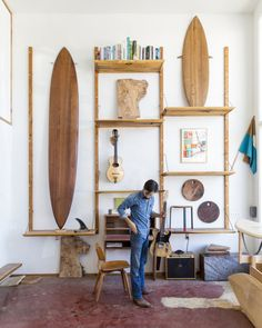 Surfing holidays is a surfing vlog with instructional surf videos, fails and big waves Surf Decor, Surfboard Decor, Deco Surf, Surf Room, Surf House, Ideas Prácticas, Surf Shack, Piece A Vivre, Surf Style