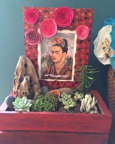 Frida Kahlo 1941 by SassyKassyFloral on Etsy