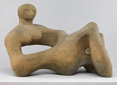 Henry Moore - one of the most famous artists in the world who worked in the style of surrealism. Henry Moore was also a graphic artist and formalist Modern Sculpture, Abstract Sculpture, Bronze Sculpture, Sculpture Art, Metal Sculptures, Organic Sculpture, Abstract Art, Henry Moore Sculptures, Infinite Art