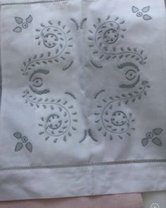Linens, Napkins, Tableware, Kitchen, Bedding, Dinnerware, Cooking, Towels, Bed Linens