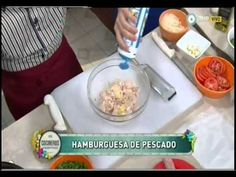 Hamburguesas de pescado con mayonesas de vegetales Parte 1 - YouTube Empanadas, Junk Food, Burgers, Hot Dogs, Sausage, Wraps, Youtube, Fish Burger, Mayonnaise