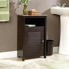 This bathroom cabinet is perfect for small bathrooms, a real space saver!
