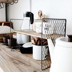 白も作ろうかな♡/本格ワイヤーシェルフ/10分でできる/100均/リメイク…などのインテリア実例 - 2016-12-25 21:09:15 | RoomClip(ルームクリップ) Diy Kitchen, Kitchen Storage, Locker Storage, Kitchen Decor, Kitchen Ideas, Ideas Geniales, Diy Interior, Hacks Diy, Wooden Diy