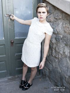 super cute hair, dress and face - Mae Whitman